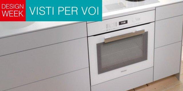 Total white in cucina, anche per gli elettrodomestici