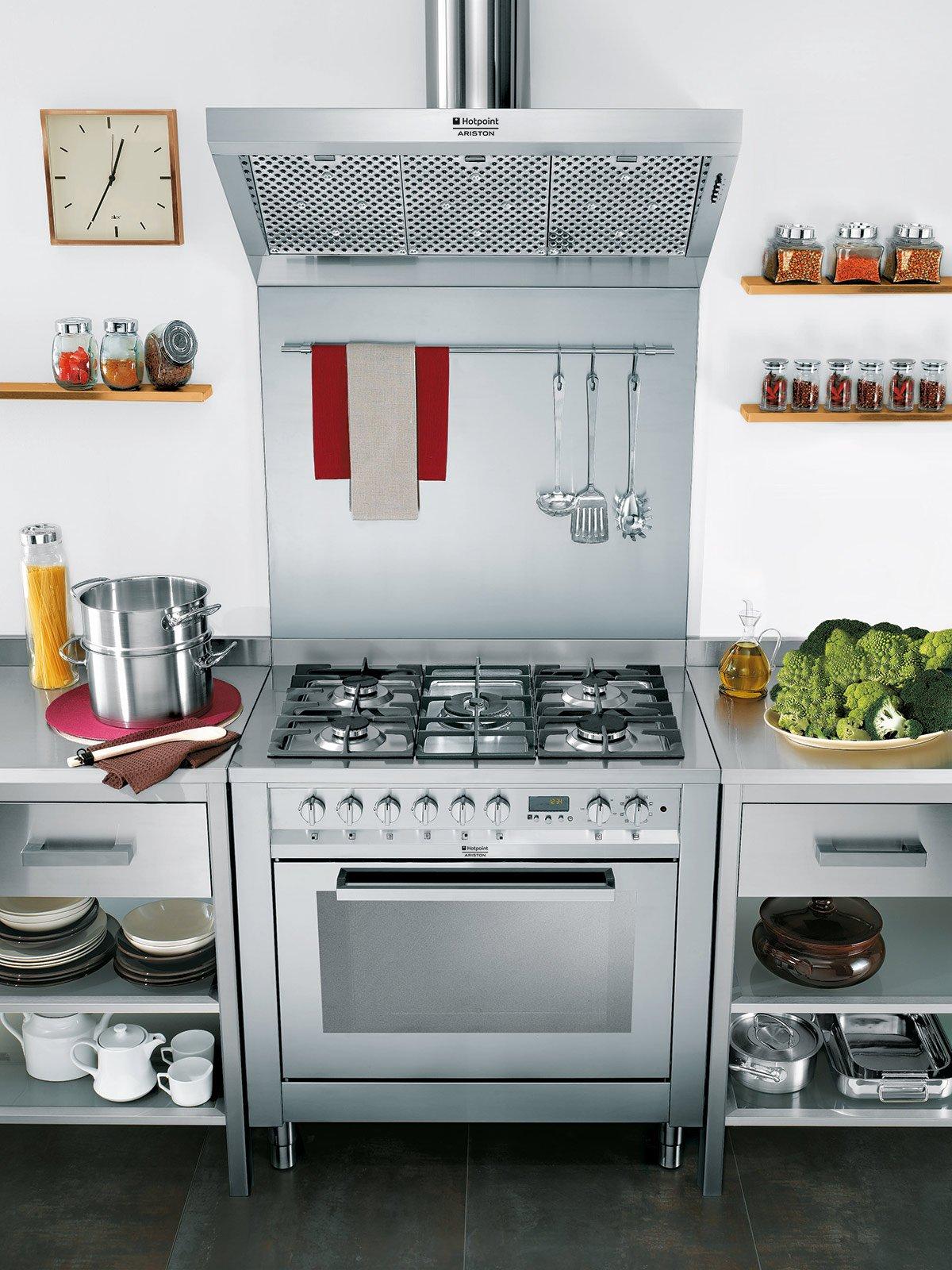 Cucina monoblocco piano cottura e forno tutto in uno - Cucina freestanding ...