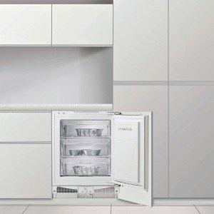 Il congelatore sottotop a tre cassetti con sistema di raffreddamento statico e porta reversibile ha capacità di congelazione di 8 kg in 24 ore e autonomia senza corrente di 17 ore. Misura L 59,6 x P 54,5 x H 85 cm e, Iva esclusa, costa 1.020 euro CIV-830 di Fagor, www.fagorbrandt.com