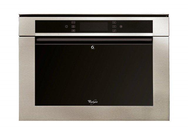 Il forno a microonde da incasso ha anche cottura combinata microonde e vapore; misura L 59,5 x P 51 x H 45,5 cm, prezzo da rivenditore. Perfect Chef Genius di Whirlpool www.whirlpool.it