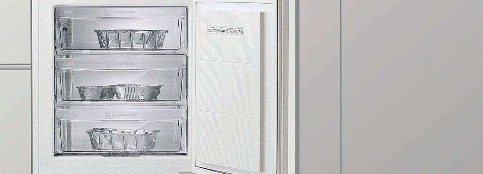 Frigorifero e congelatore in poco spazio cose di casa for Case moderne poco costose