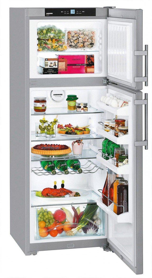 È dotato di congelatore SmartFrost che riduce la formazione del ghiaccio, il frigorifero doppia porta con volume utile totale di 278 litri. In classe di efficienza energetica A++, ha porte in acciaio con finitura Smart Steel antimpronta. Misura L 60 x P 63 x H 161,1 cm. Costa 699 euro CTPesf 3016 Comfort di Liebherr, www.bsdspa.it