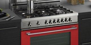 Cucina monoblocco: piano cottura e forno tutto in uno, freestanding