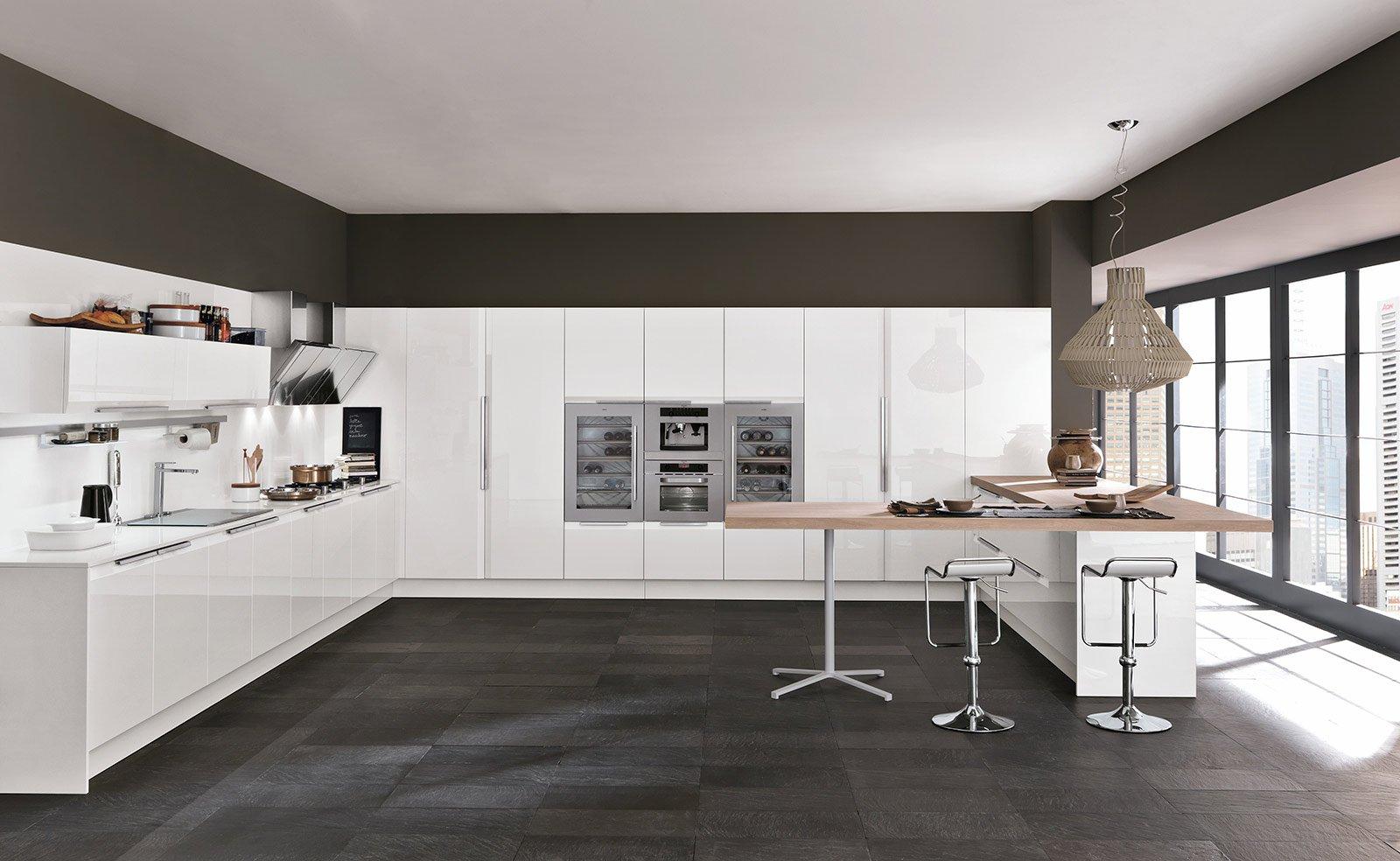 Cucine bianche moderne cose di casa - Cucine moderne con dispensa ...