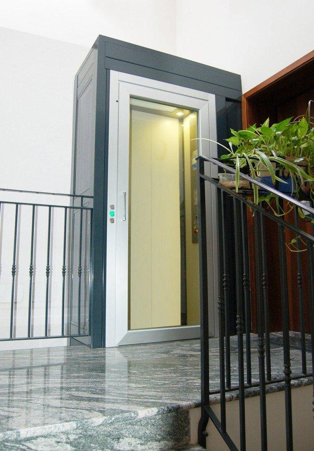 Miniascensori dentro casa oltre che in condominio cose - Autorizzazione condominio per ampliamento piano casa ...