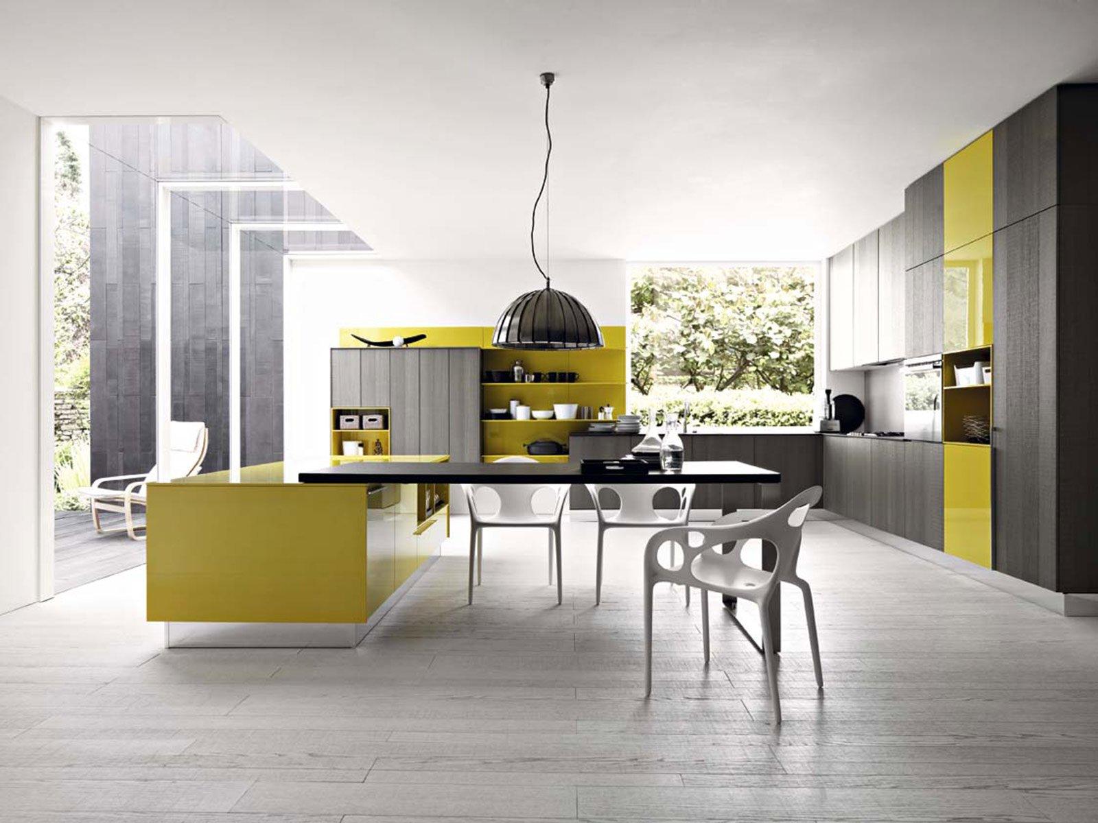 Cucine colorate moderne cucine moderne lube leda with for Katia arreda