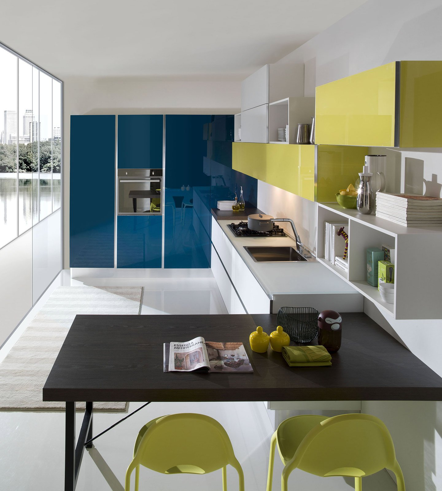 Cucine colorate come un quadro contemporaneo cose di casa for Piani di casa aperti con grandi cucine