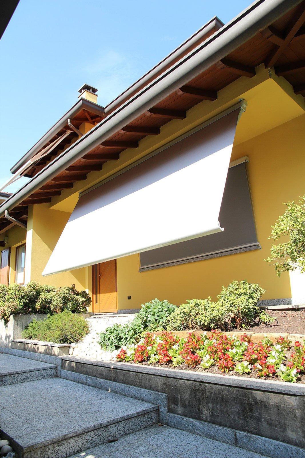 Tende da sole per terrazzo o giardino cose di casa - Tessuti da esterno ikea ...