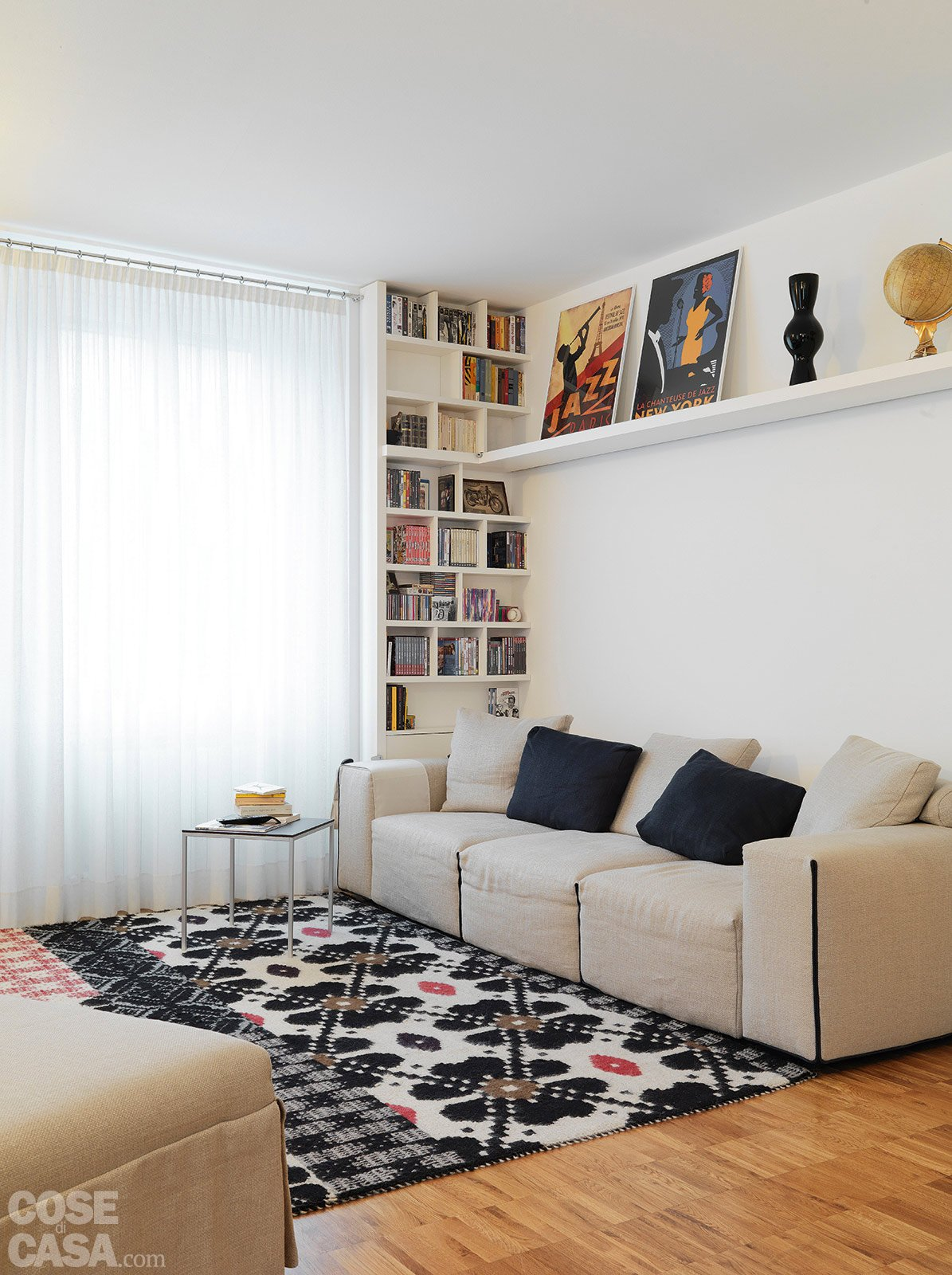 74 mq moltiplicati e ottimizzati cose di casa for Parete dietro divano