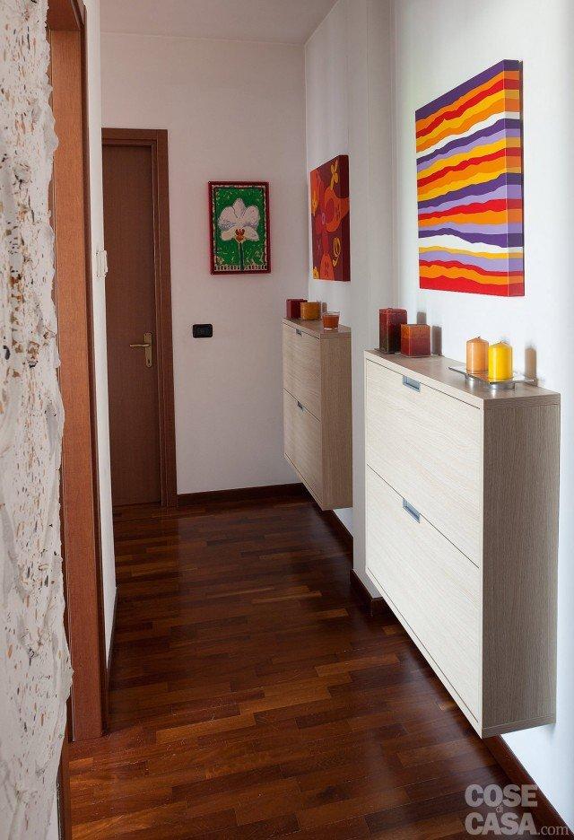 Una casa formato famiglia cose di casa for Arredare un corridoio ikea