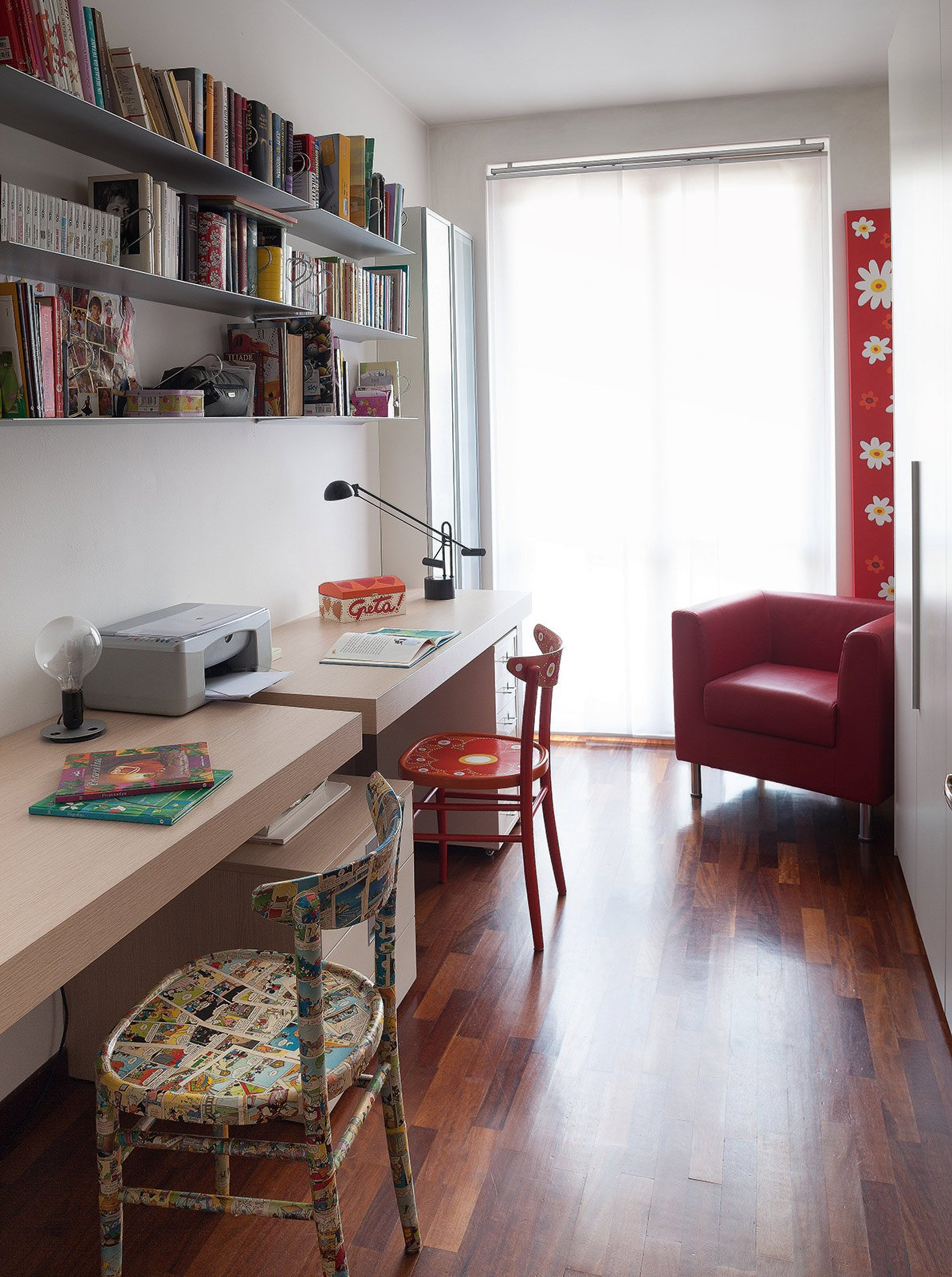 Una casa formato famiglia cose di casa for Arredamento da studio