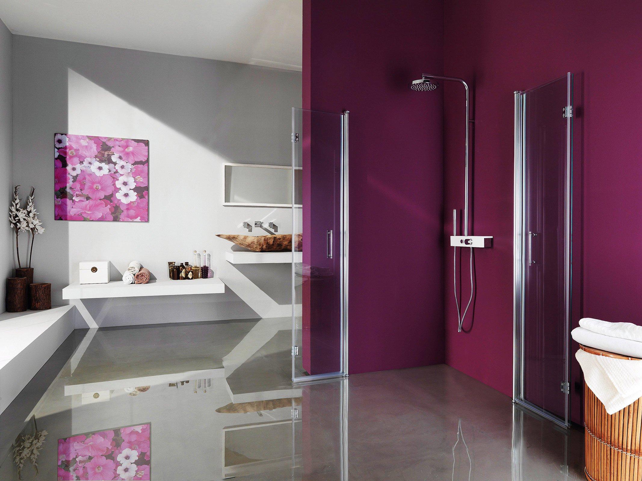 Il box doccia Alter di Samo ha pannelli in vetro temperato trasparente ...