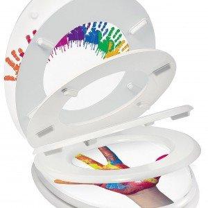 Il coprivaso a chiusura rallentata Trendy Line Kid Color di Wirquin è adattabile a vasi standard ed esiste con decori diversi; prezzo da rivenditore. wirquin.com