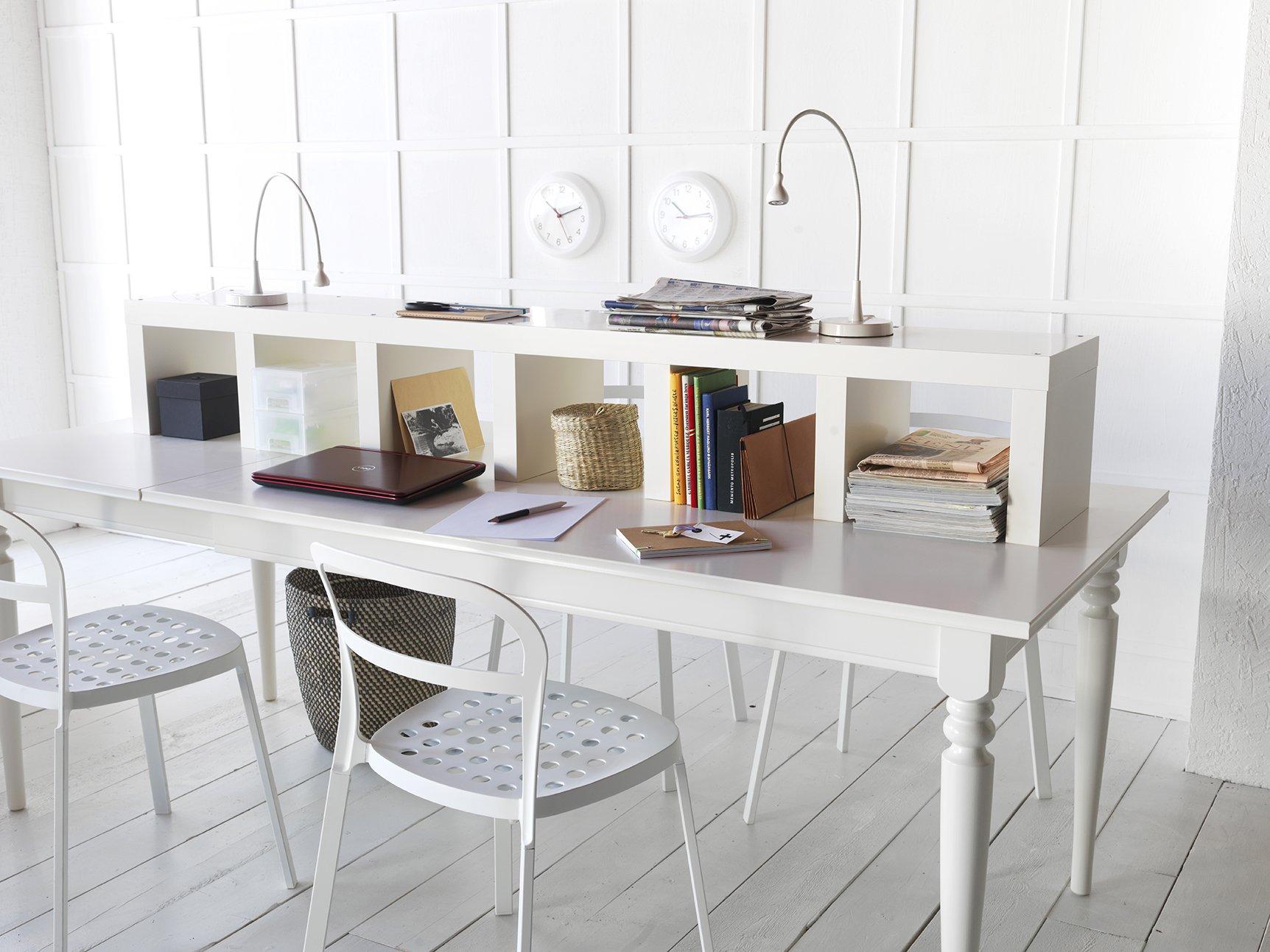 Lavorare comodamente da casa ecco la scrivania giusta for Scrivania con libreria ikea
