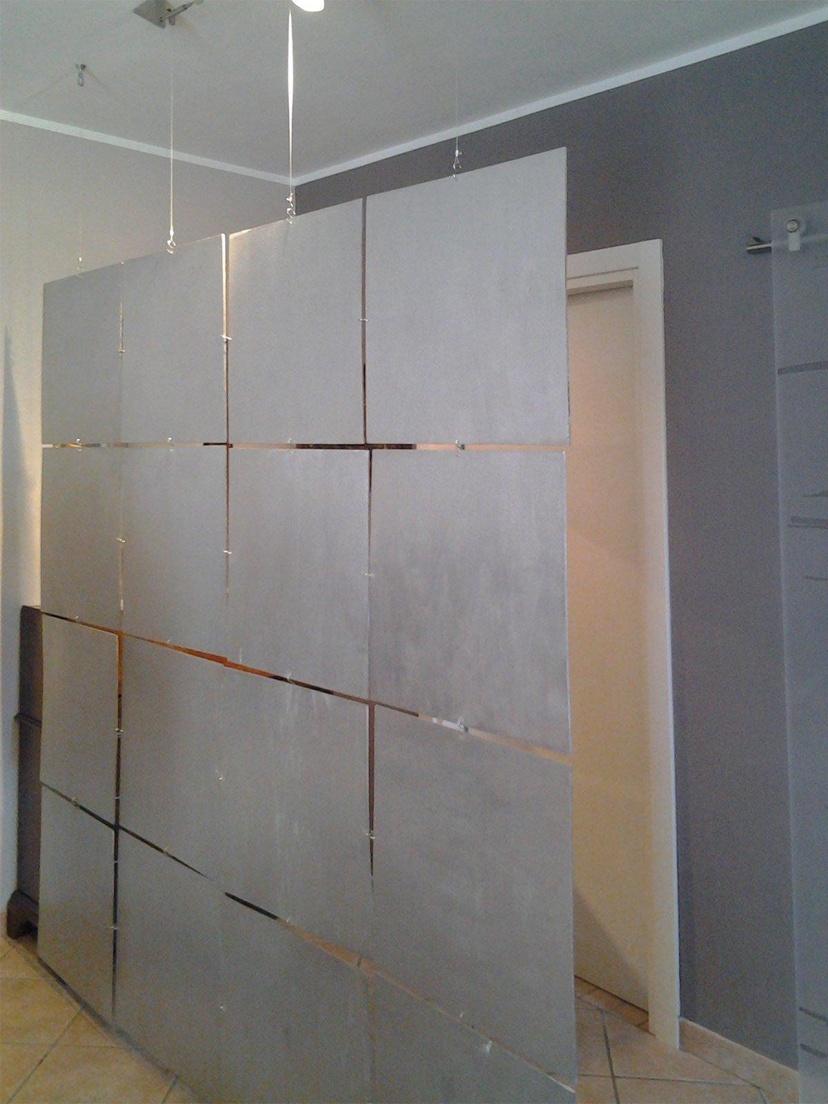 Separare l 39 ingresso con una soluzione low cost mobile e d 39 effetto cose di casa - Parete in legno fai da te ...