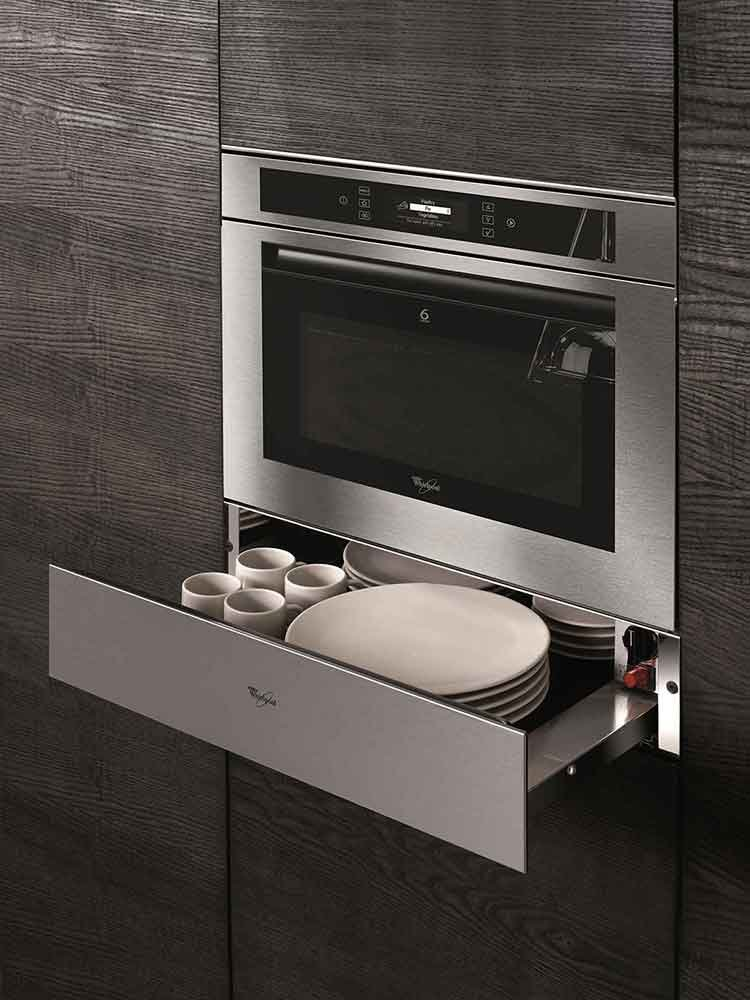 Elettrodomestici in acciaio inox design massima igiene e facilit di manutenzione cose di casa - Forno combinato whirlpool da incasso ...