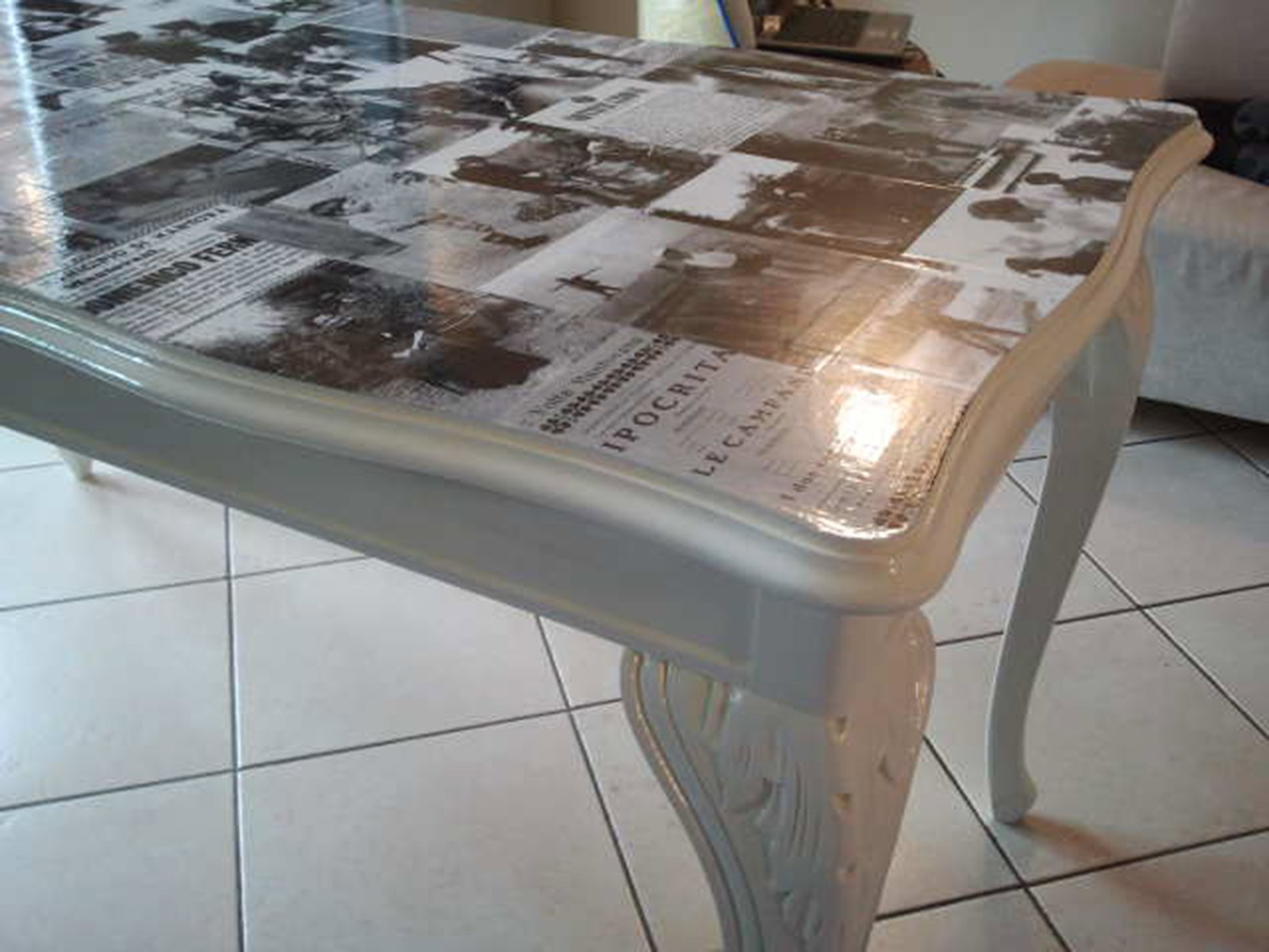 Come dipingere un vecchio tavolo tavolo consolle allungabile - Dipingere un mobile di legno ...
