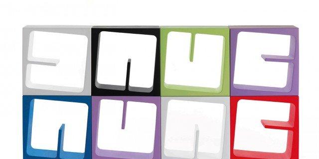 Arredi in plastica per interni dall 39 effetto giovane for Complementi di arredo soggiorno