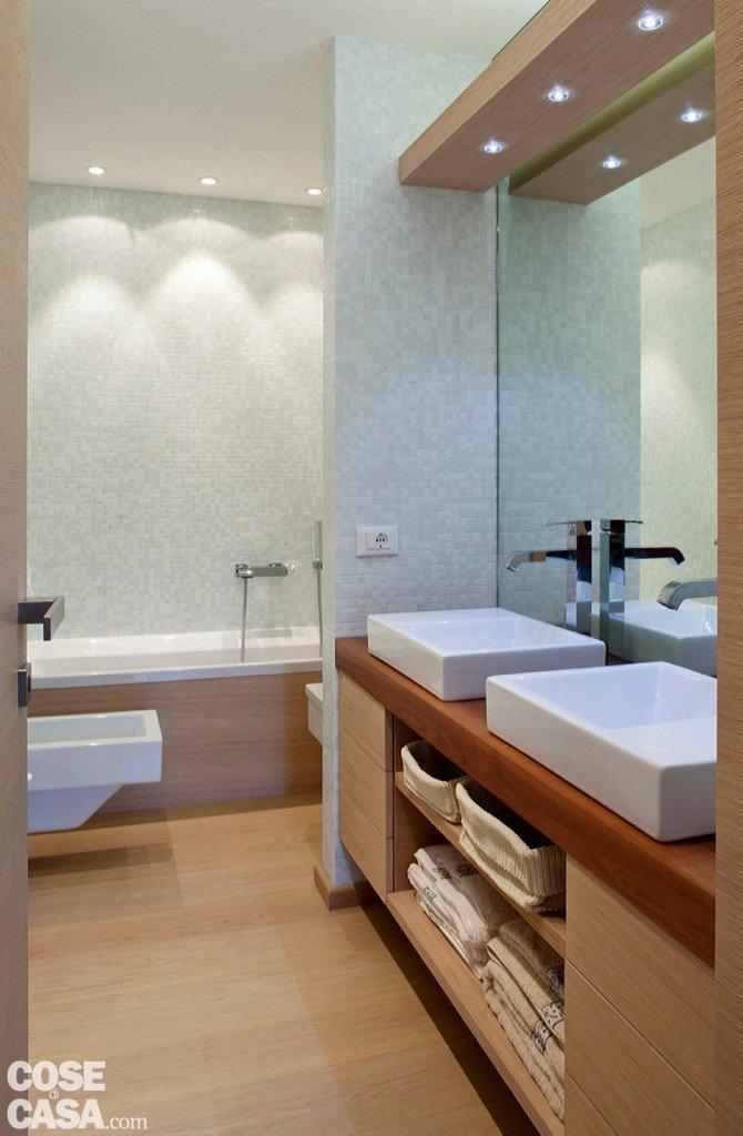 57 mq con ambienti mutevoli cose di casa - Bagno di 4 mq ...