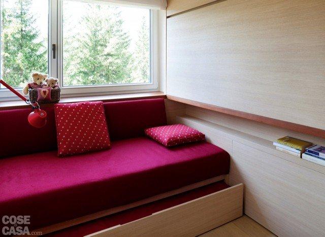 casa-gellner-fiorentini-divano-rosa