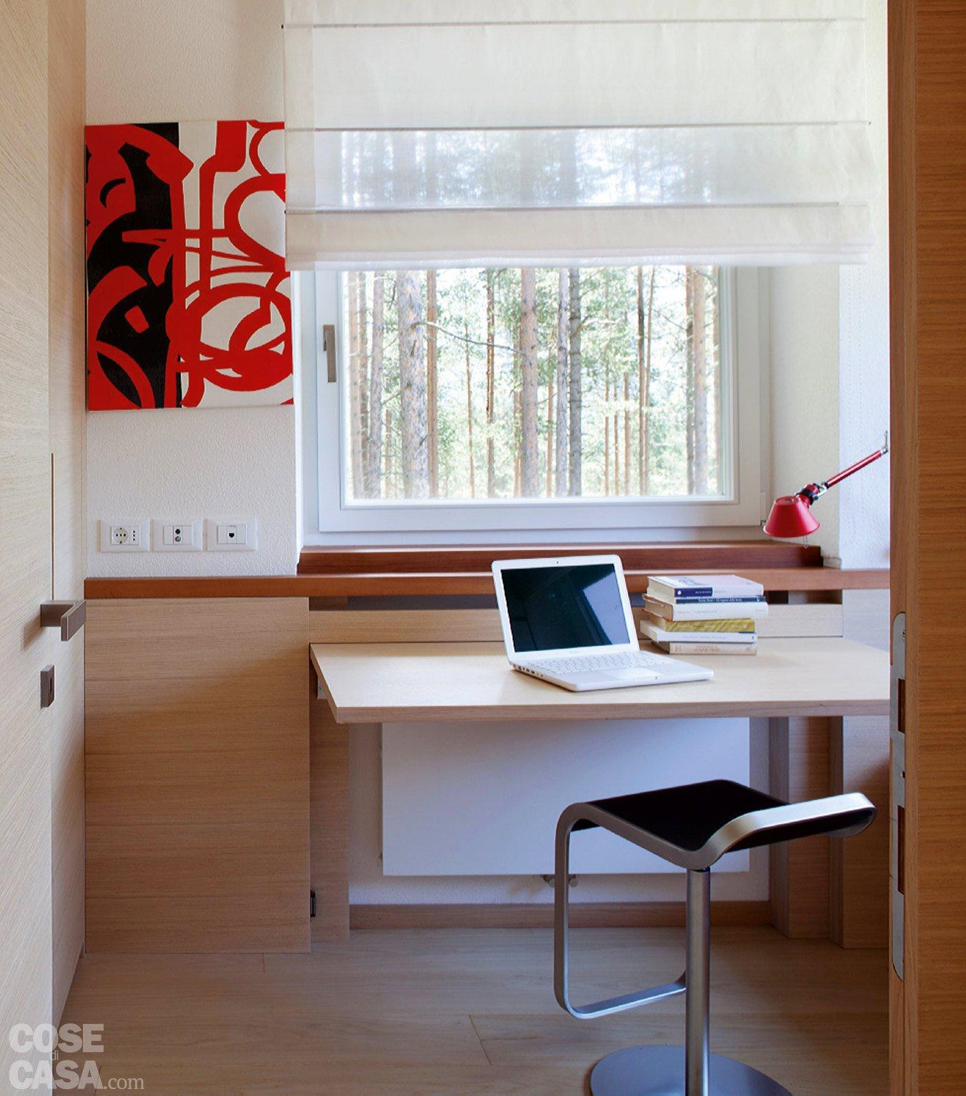 57 mq con ambienti mutevoli cose di casa - Letto sotto finestra ...