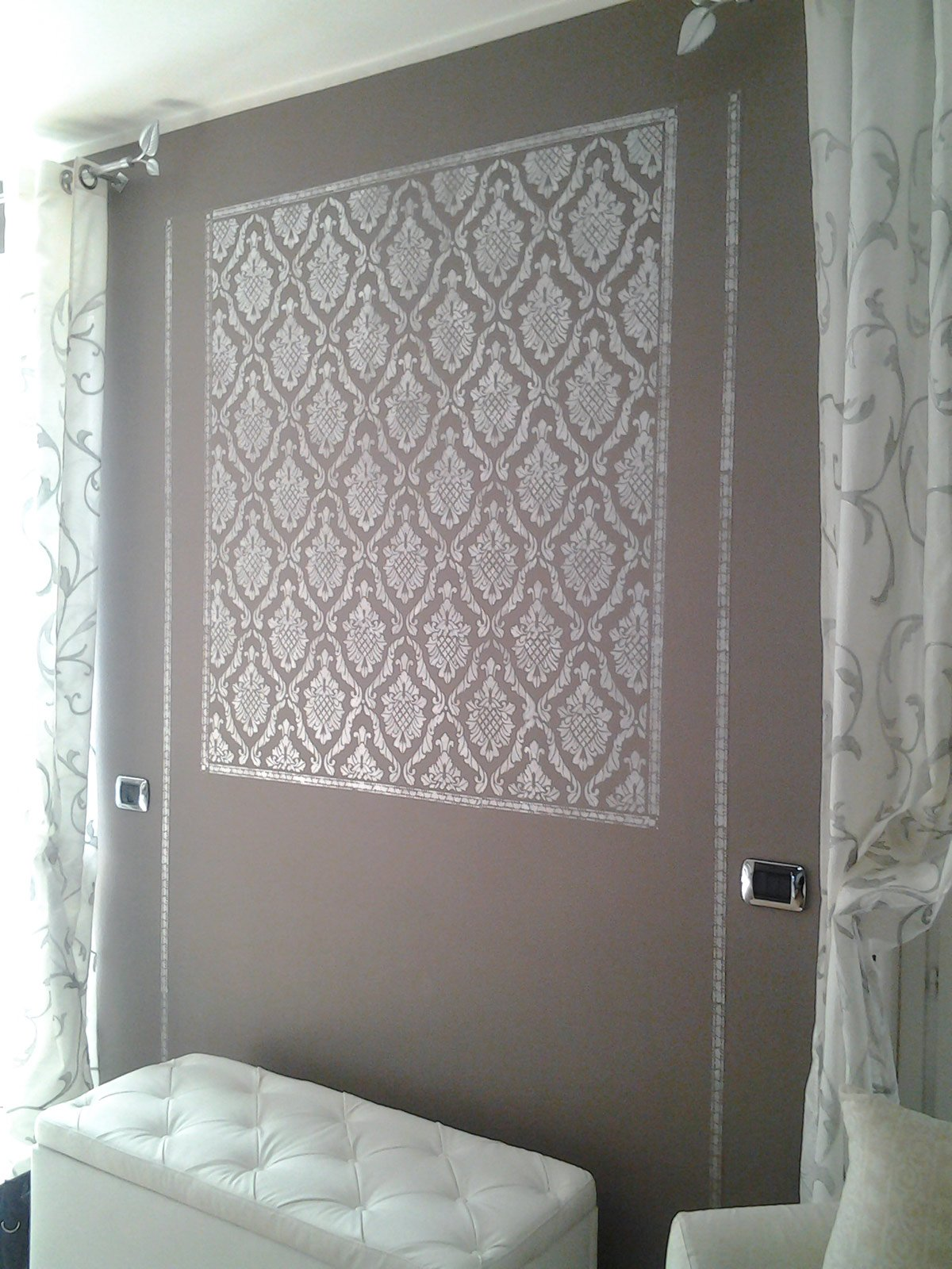 Decorare la parete a stencil cose di casa - Decorazione per pareti ...