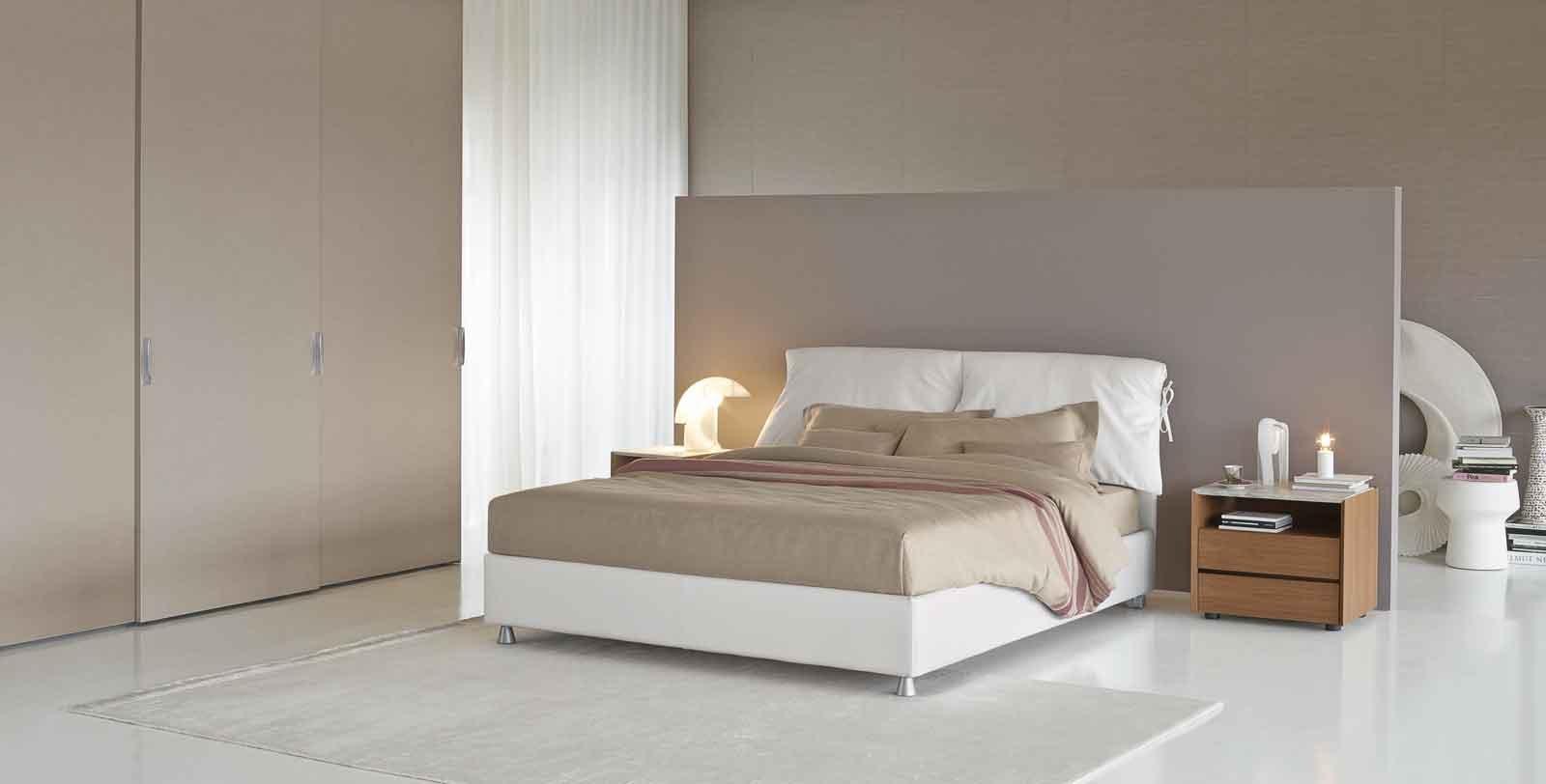 Dormire bene letto materasso e biancheria cose di casa - Letto nathalie flou prezzo ...