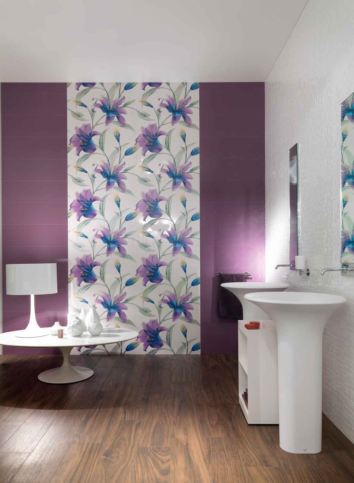 Pareti d cor in bagno cose di casa - Decorazioni floreali per pareti ...