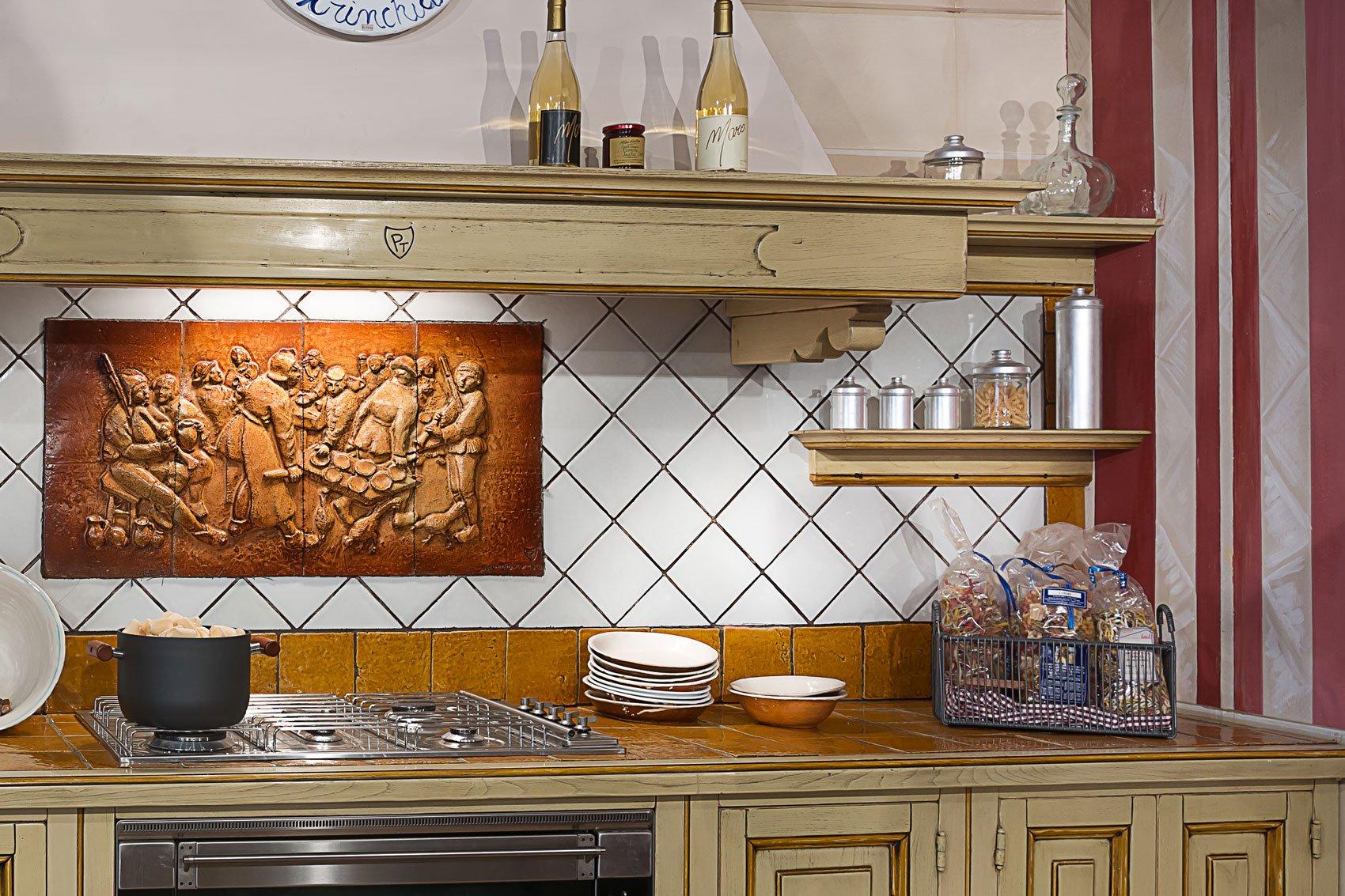 foto di rivestimento cucina di piastrelle 10x10 : piastrellecristiani-tarsiepisane-piastrelleparetecucina