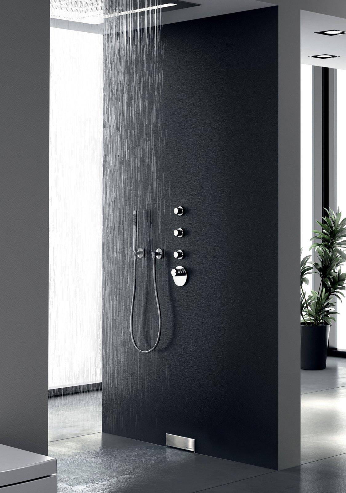 Sostituire la doccia limitando i lavori cose di casa for Doccia a muro