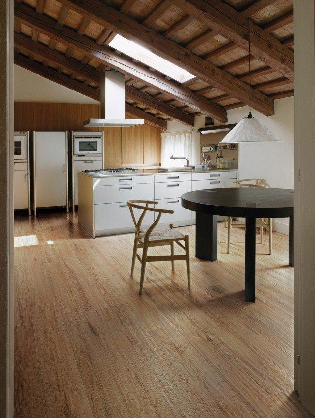 Scegliere il pavimento della cucina effetto legno - Piastrelle in cotto prezzi ...