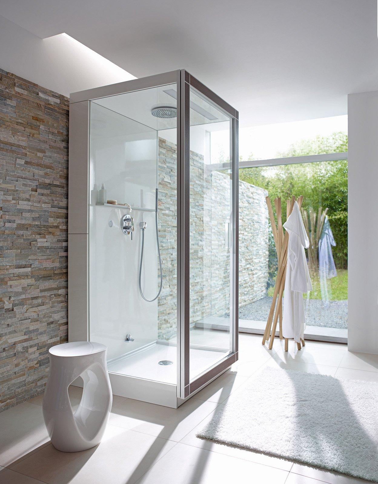 Bagno idromassaggio in vasca o doccia per un benessere domestico cose di casa - Bagno con doccia ...