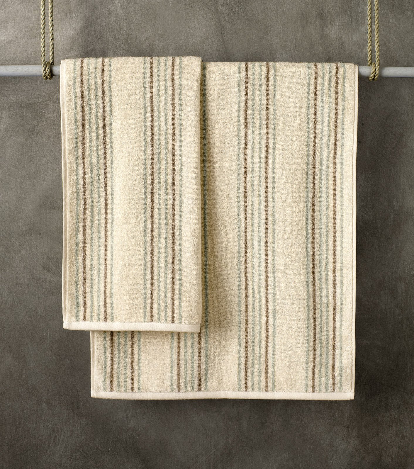 asciugamani per il bagno: come scegliere materiali e colori - cose ... - Asciugamani Bagno