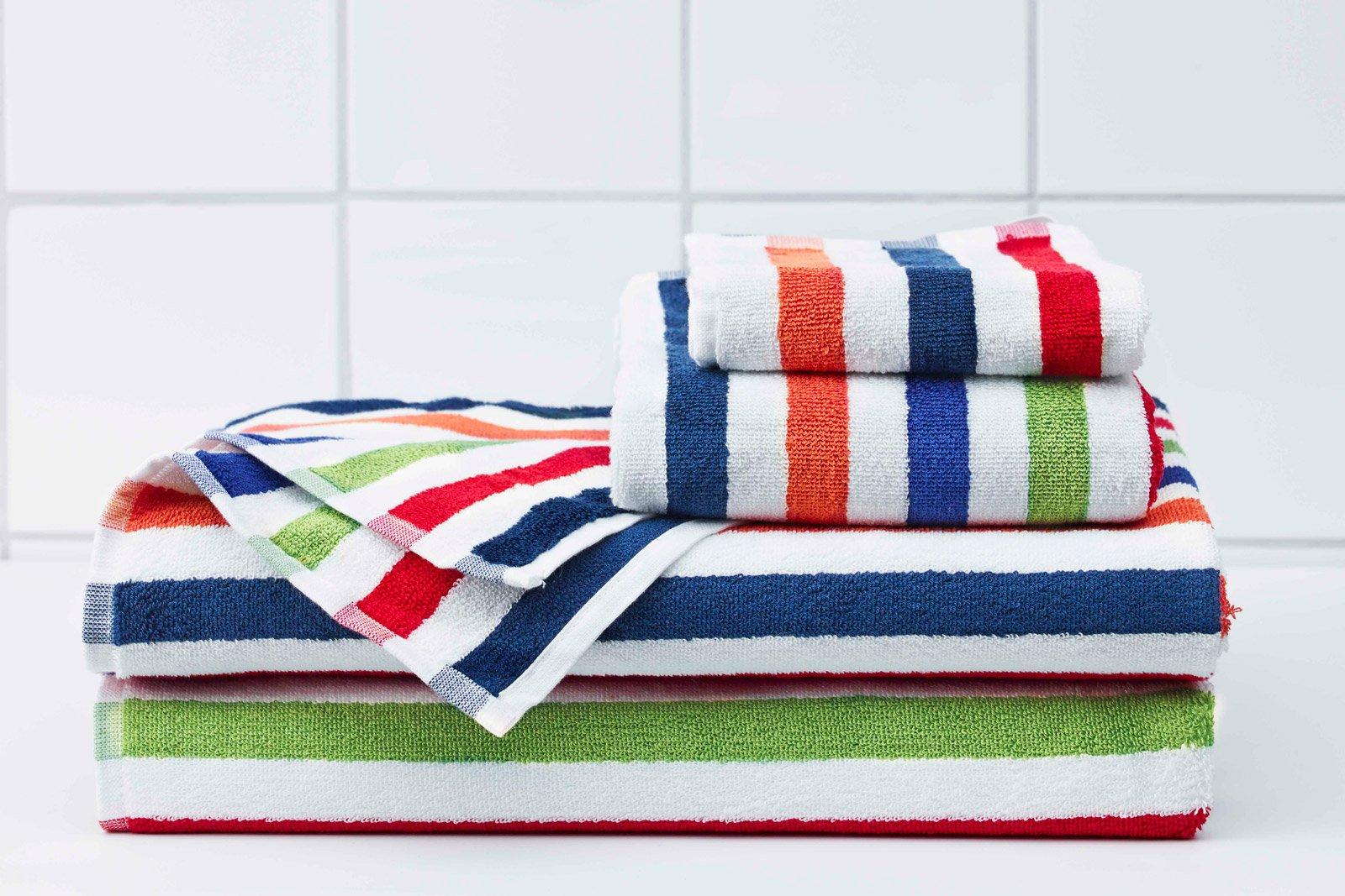 Asciugamani per il bagno come scegliere materiali e - Set asciugamani bagno ikea ...