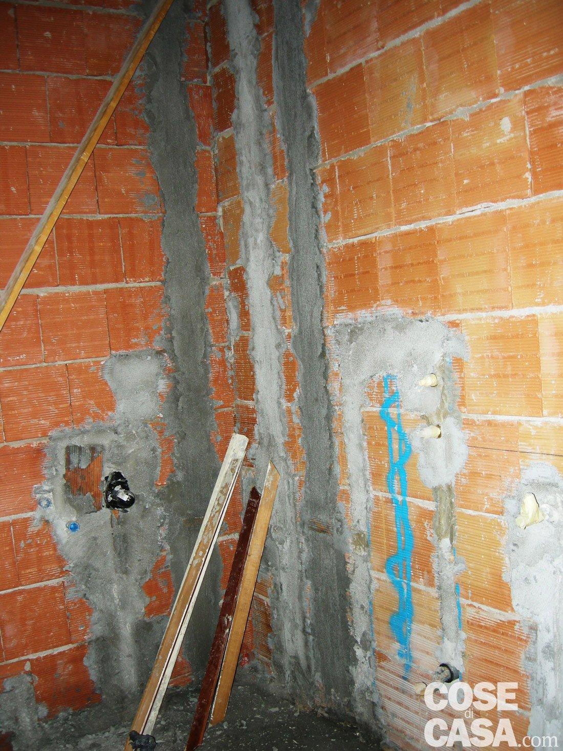 Come applicare l 39 intonaco negli interni cose di casa - Spessore intonaco interno ...