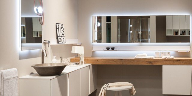 Specchi per il bagno cose di casa - Specchi retroilluminati per bagno ...