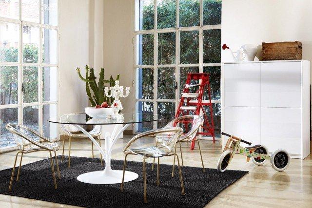 Tavoli con sostegno centrale cose di casa - Tavolo calligaris in vetro ...