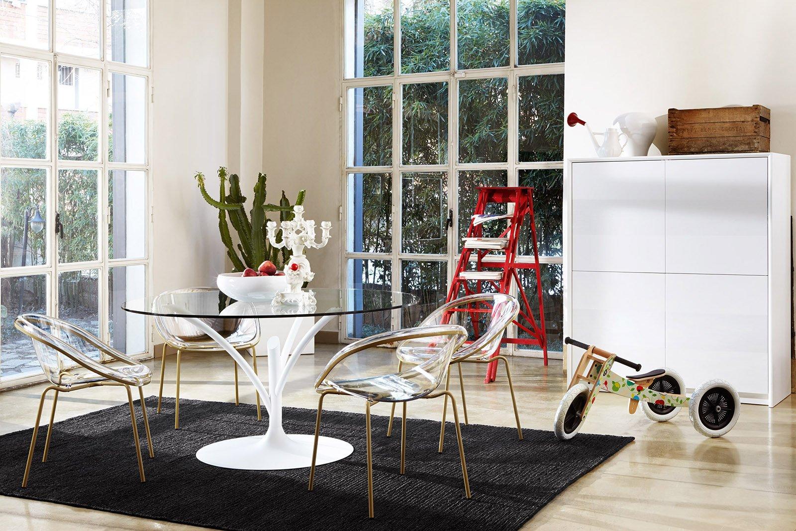 Tavoli con sostegno centrale cose di casa for Tavolo vetro bianco calligaris