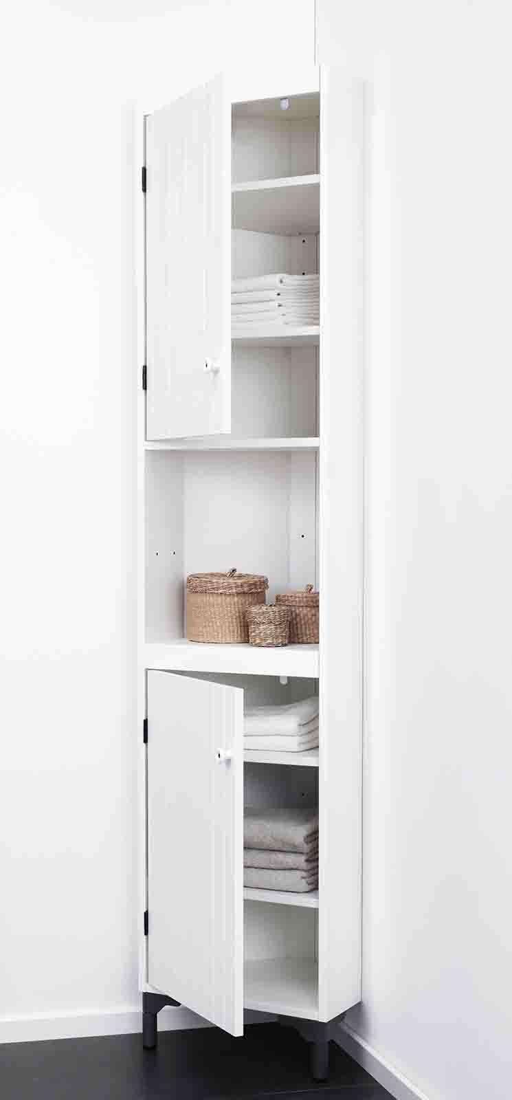 Bagno sfruttare l 39 angolo cose di casa for Ikea armadio angolare