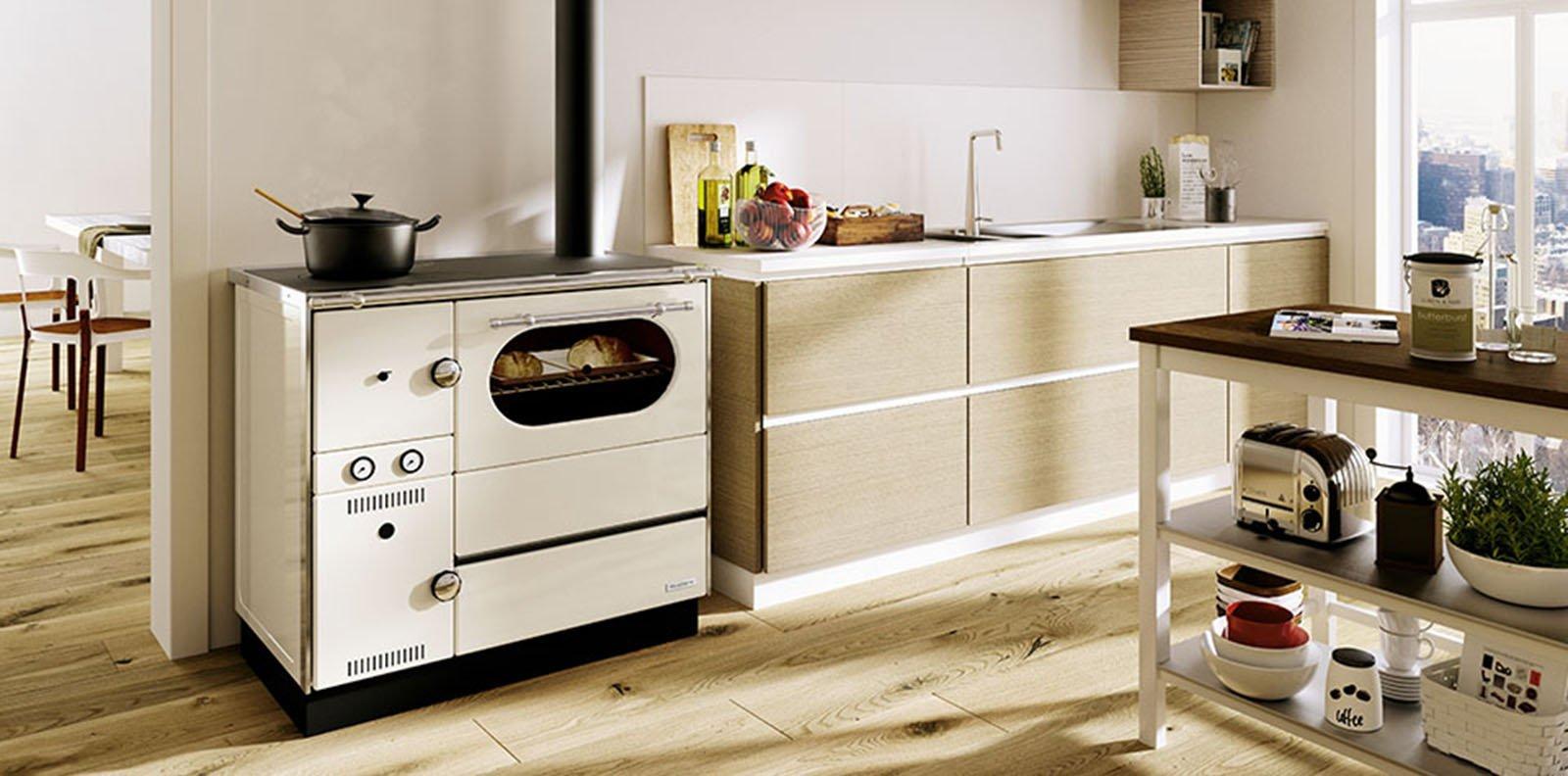 la cucina di una volta: per cuocere e riscaldare come con i ... - Cucina Con Forno A Legna