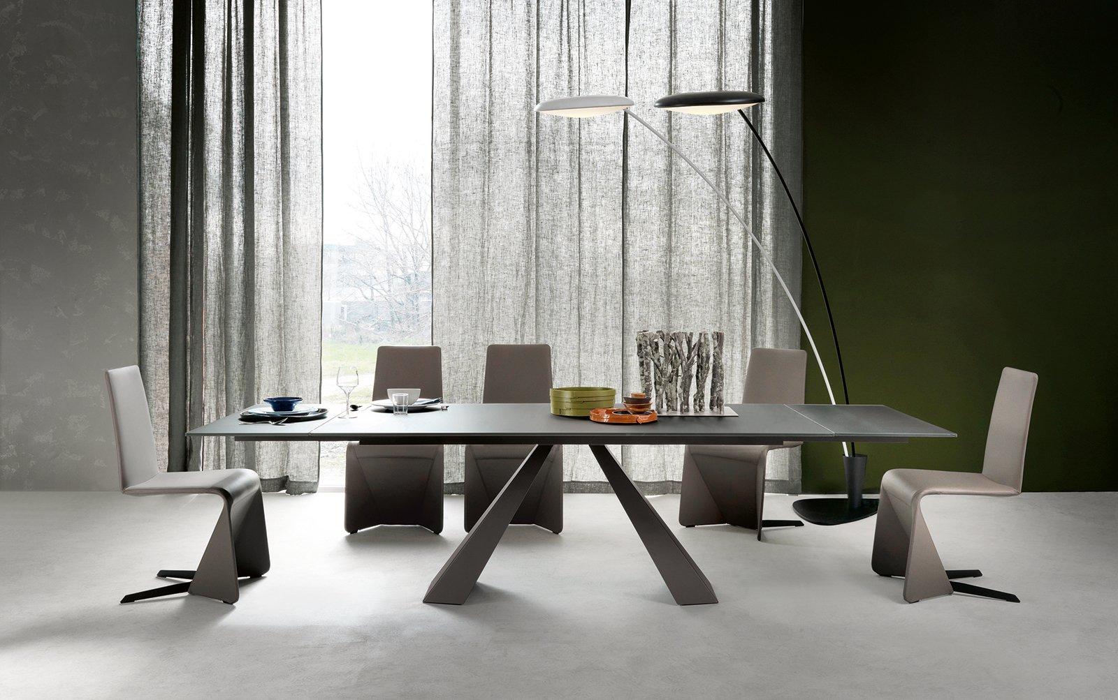 Tavoli con sostegno centrale cose di casa - Tavolo cristallo calligaris ...