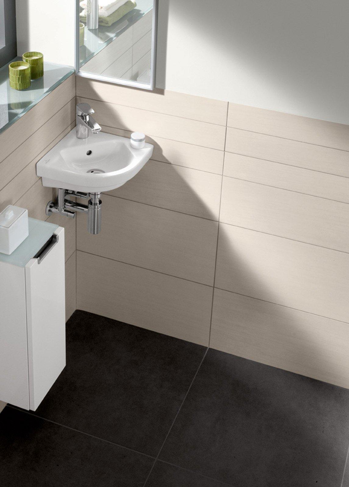 Bagno sfruttare l 39 angolo cose di casa - Mobile bagno angolare ...