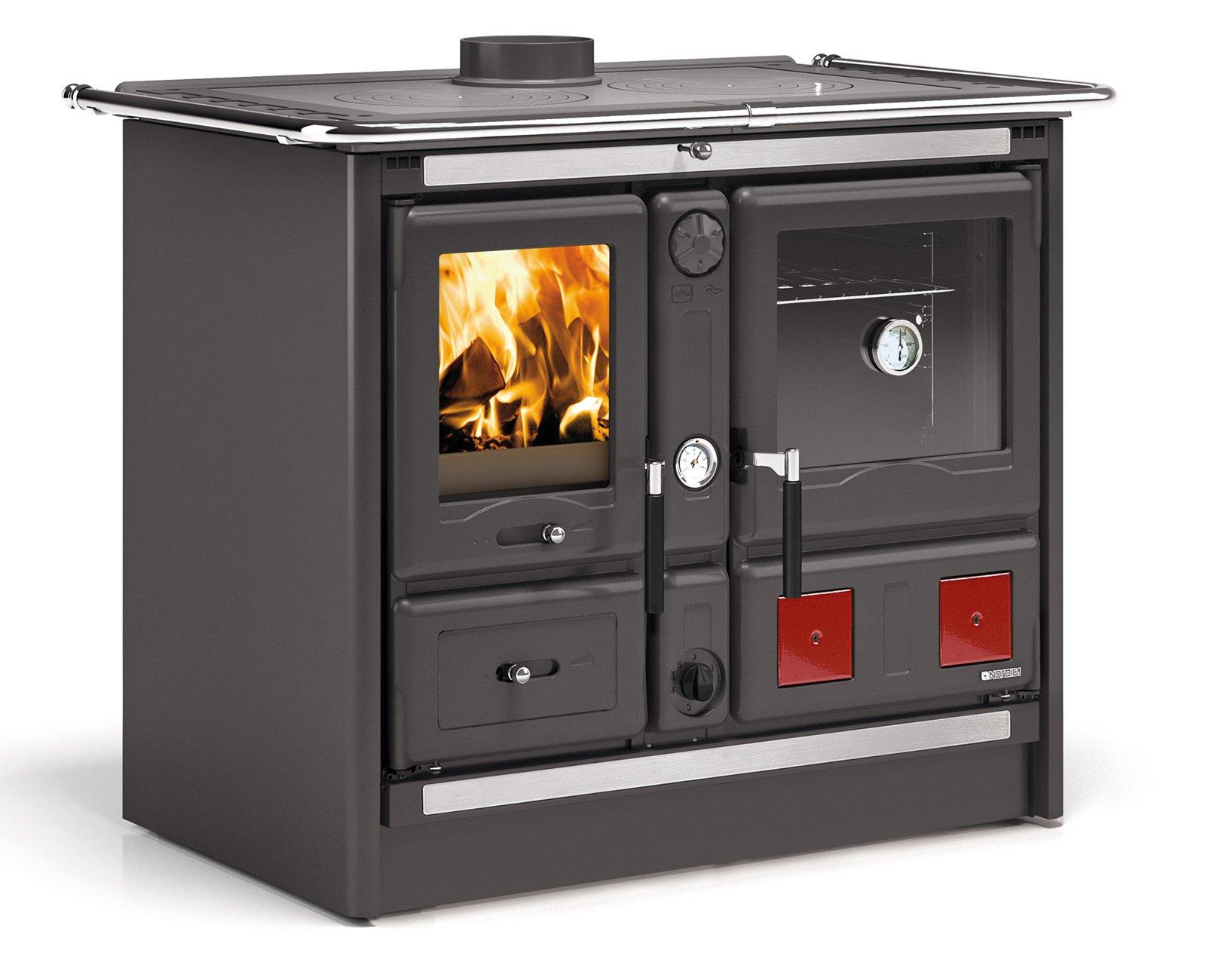 La cucina di una volta per cuocere e riscaldare come con for Cucinare per 50