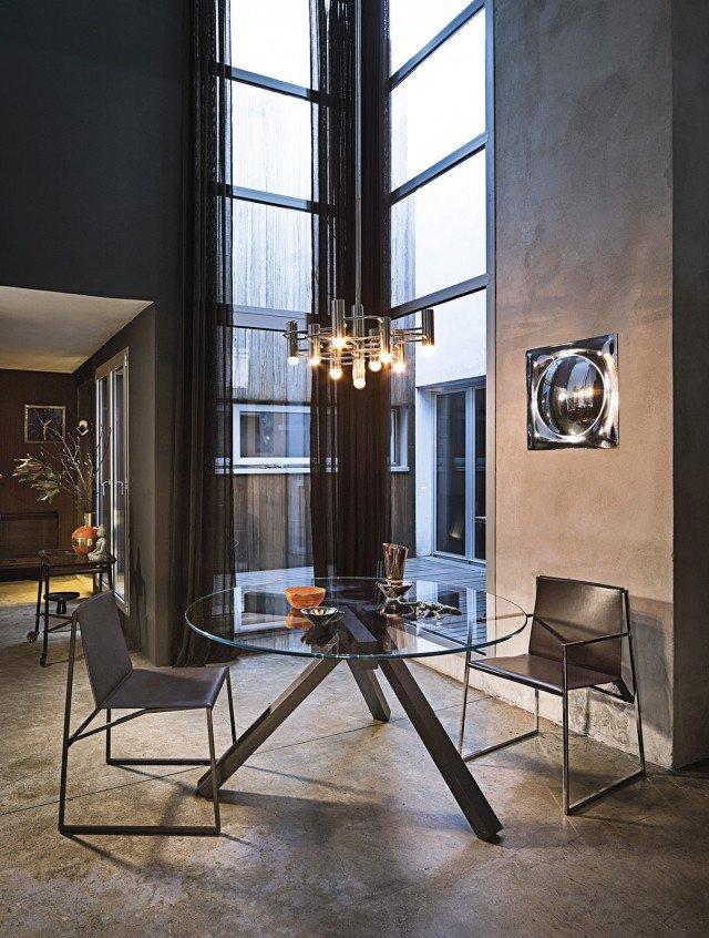 Tavoli piano in vetro gambe protagoniste cose di casa - Prezzo tavolo shangai riflessi ...