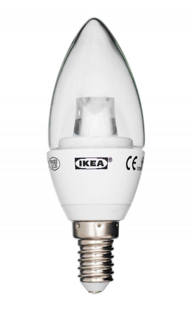 Emette una luce a led bianca calda il modello Ledare di Ikea; a fronte di un consumo di soli 4 Watt emette 200 lumen, che corrispondono all'incirca alla luce emessa da una lampadina a incandescenza da 25 Watt. Durata: circa 25.000 ore. Prezzo 4,99 euro. www.ikea.com