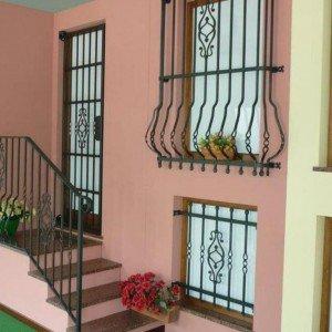 Sicurezza in casa con le inferriate alle finestre cose for Guarnizioni finestre leroy merlin