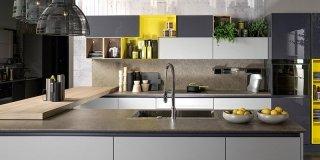 Pulire la cucina: prodotti diversi a seconda dei materiali