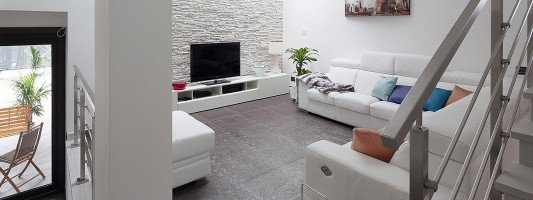 Arredamento casa oltre i 100 mq idee e progetto for Case ristrutturate interni