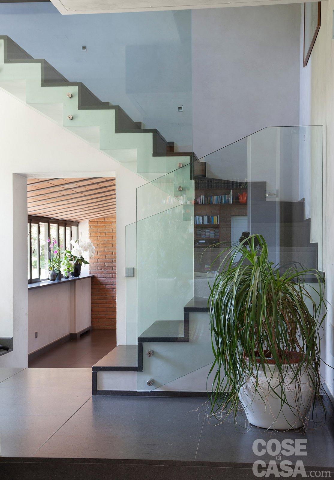 Da serra a open space una casa che si sviluppa in for Piani di casa open space