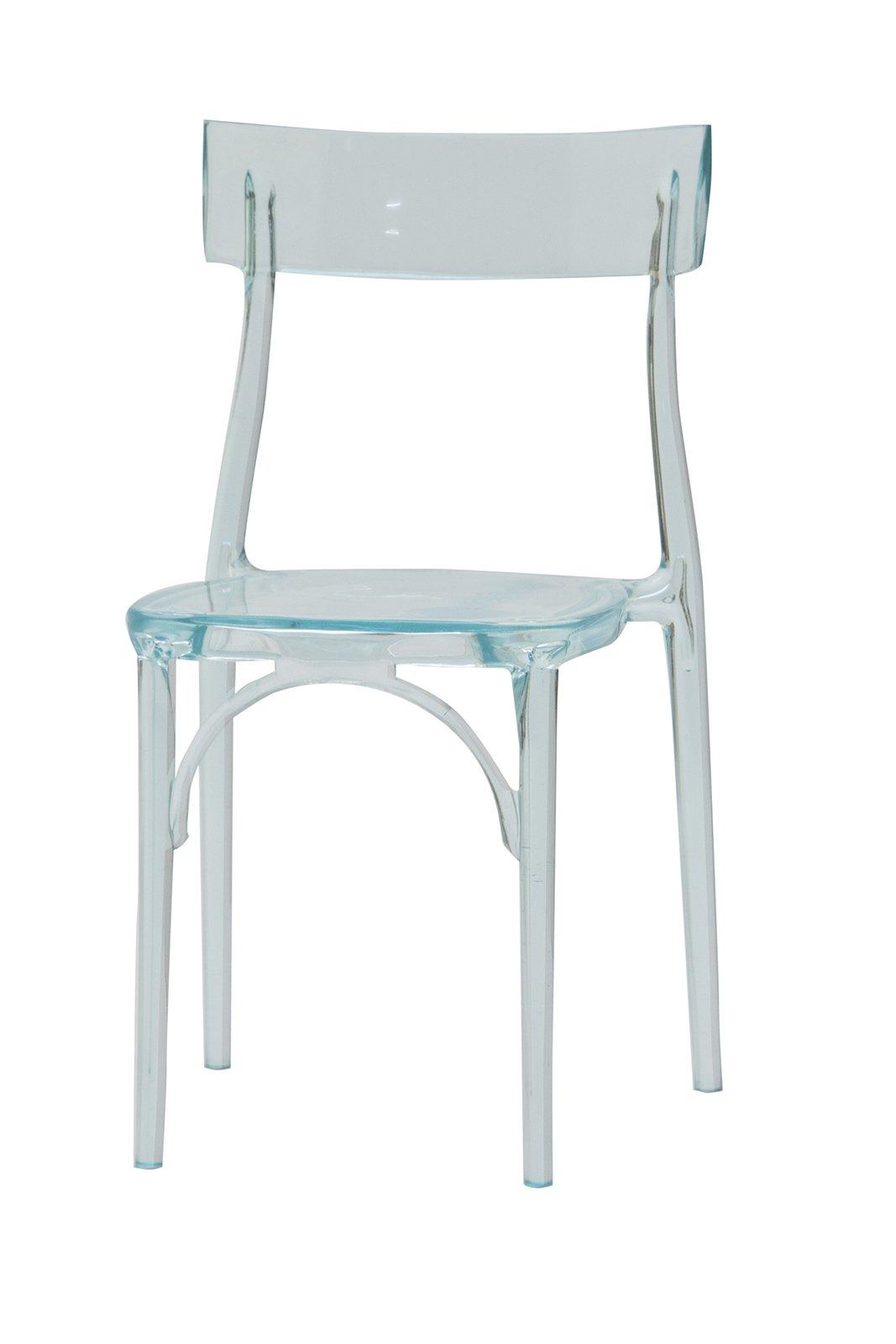 Come Pulire Le Sedie In Plastica.Sedie Trasparenti E La Stanza Sembra Piu Grande Cose Di Casa